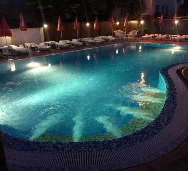 Pool_Night_02